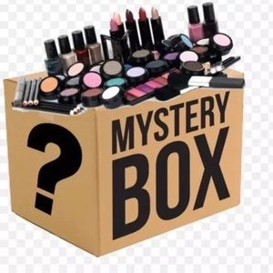 MAKEUP BEAUTY PRODUCTS BRAND NAME MYSTERY BOX